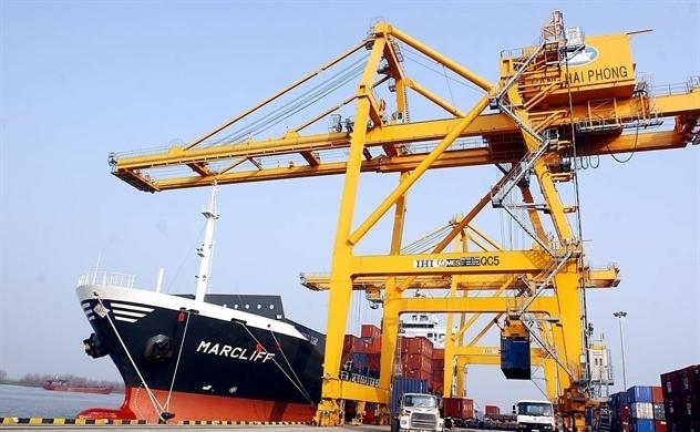 Cán cân thương mại của Việt Nam thặng dư 1 tỉ USD