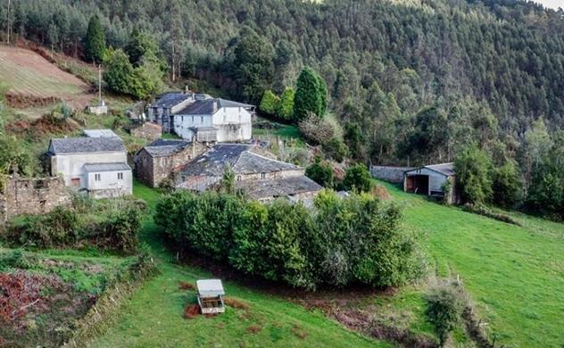 Những ngôi làng ở Tây Ban Nha được rao bán với giá chưa tới 500.000 USD