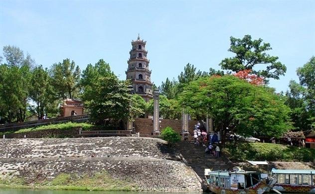 Vẻ đẹp của ngôi chùa 400 tuổi và những câu chuyện không phải ai cũng biết