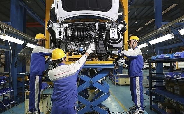 Giảm 50% phí trước bạ ô tô sản xuất trong nước từ hôm nay