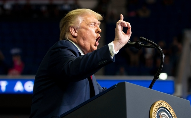 Tại sao Iran ban hành lệnh bắt giữ Tổng thống Donald Trump?