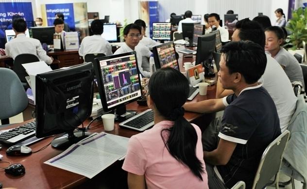 Nhà đầu tư ồ ạt tham gia vào thị trường chứng khoán