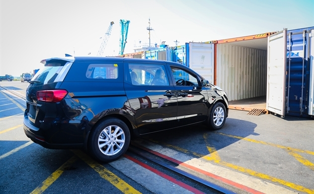 THACO exports another 80 Kia Grand Carnival cars to Thailand