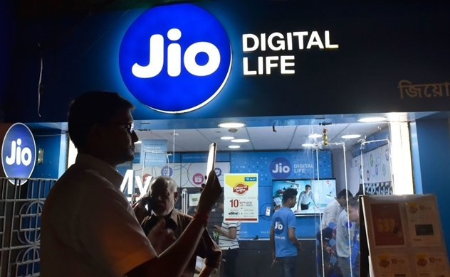 Google agrees to buy $4.5 billion stake in India's Jio Platforms