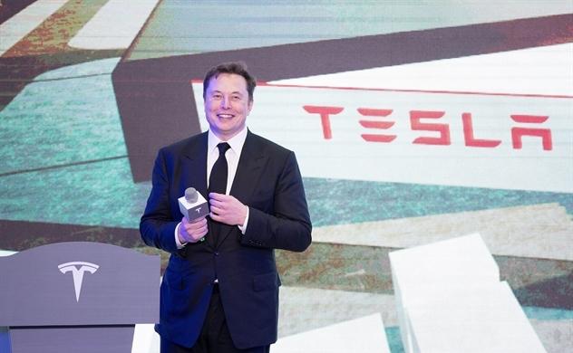 Tesla báo lãi quý thứ tư liên tiếp