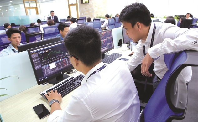 Cổ phiếu thấp thỏm ngày tái dịch