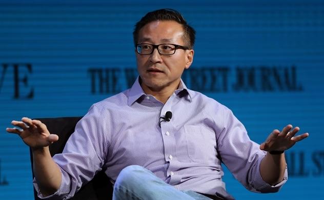 Ông Joe Tsai, đồng sáng lập Alibaba đưa ra lời khuyên cho các doanh nghiệp trong thời kỳ khủng hoảng