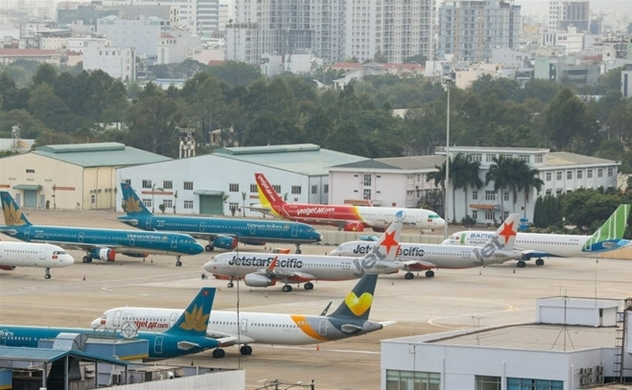 Airports operator ACV posts first quarterly loss in four years