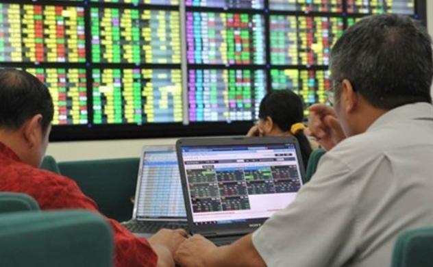 Thị trường chứng khoán: Nhà đầu tư có thể cân nhắc chốt lời khi VN-Index tiệm cận kháng cự