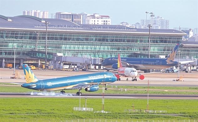 """""""Giải cứu"""" đội bay Vietnam Airlines"""