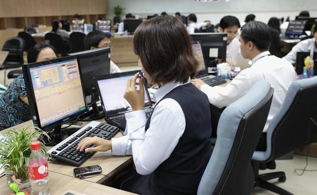 Dòng vốn vào chứng khoán Việt đạt mức cao nhất trong 4 tuần