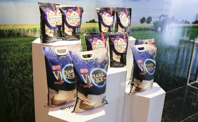 Bán hơn 1.000 USD/ tấn, gạo mang thương hiệu Việt Nam hiện diện trên kệ hàng thế giới