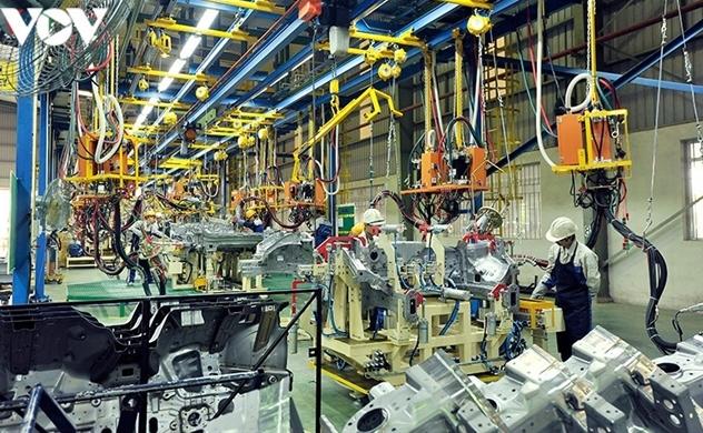 Vietnam attracts $19.54 billion in FDI in eight months, down 13.7% YoY