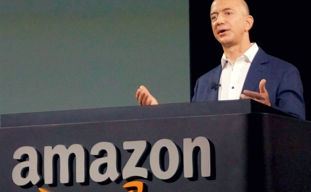 Tỉ phú Jeff Bezos trở thành người giàu nhất thế giới với trị giá tài sản là 200 tỉ USD