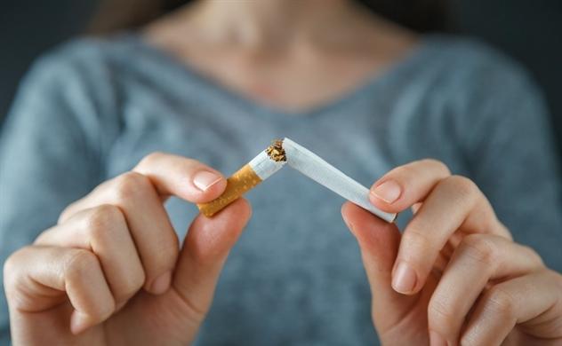 Tiến sĩ Derek Yach: Cần nhiều phát kiến mới để chấm dứt hút thuốc lá trên toàn cầu