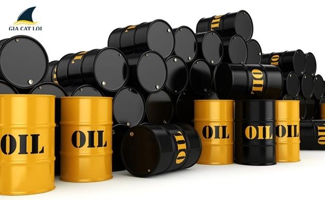 Giá dầu rơi không phanh, vàng tăng trở lại