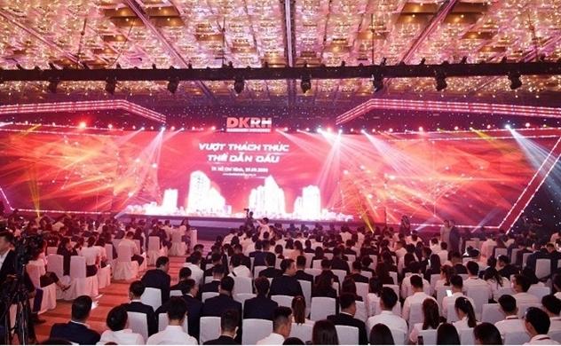"""Hơn 3.000 người tham gia sự kiện """"Vượt thách thức - Thế dẫn đầu"""" của Tập đoàn Danh Khôi"""
