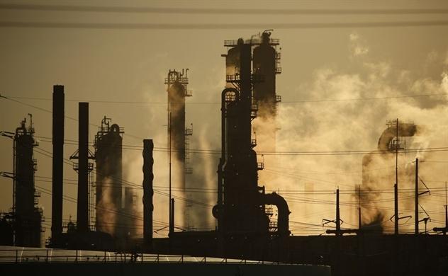 Sự phục hồi ba tốc độ của dầu mỏ đã làm ngành công nghiệp đảo lộn
