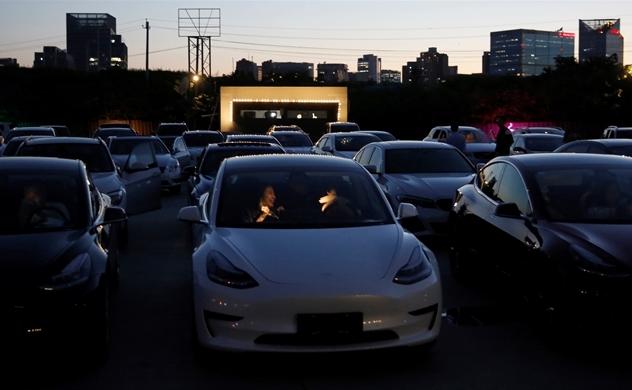 """Tại sao Trung Quốc hoan nghênh """"nỗi đau"""" mà Tesla mang lại?"""