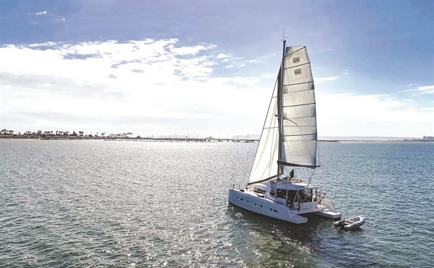 Giương buồm cho du lịch mặt biển