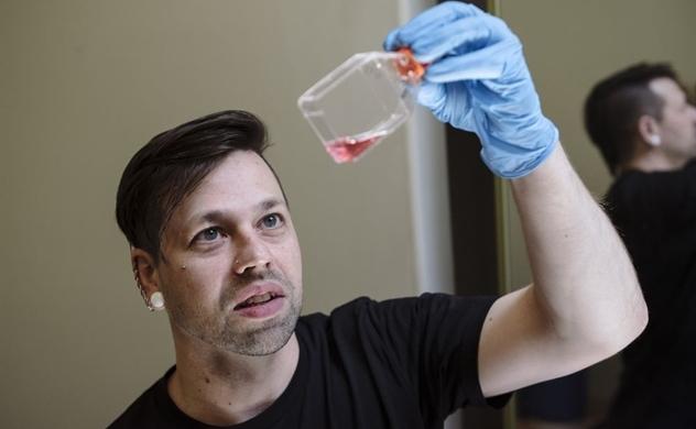 Vaccine COVID-19 tự sản xuất tại nhà dường như có hiệu quả, nhưng vẫn còn nhiều câu hỏi