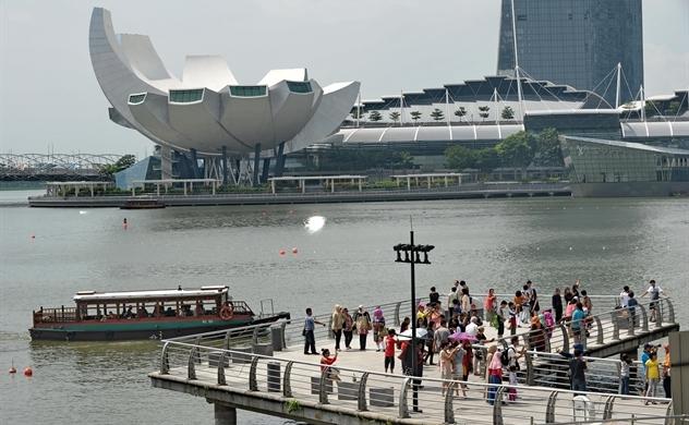 Đông Nam Á đấu tranh để khởi động ngành du lịch đang bị tàn phá