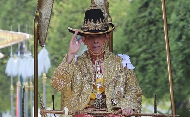 Vị vua giàu nhất thế giới và khối tài sản bí ẩn gây nhiều tranh cãi tại Thái Lan