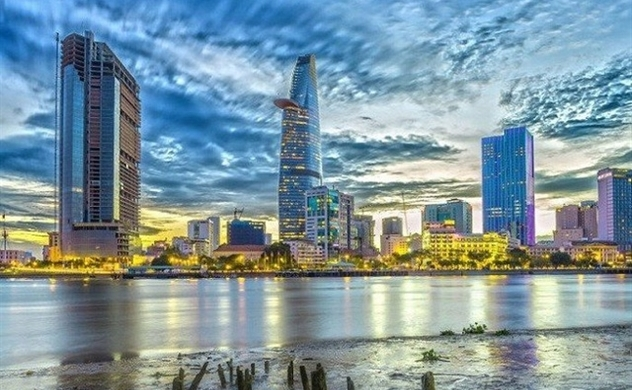 Vietnam economy size increases by 1.4 times from 2015