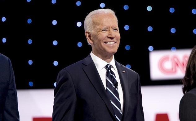 """5 tỉ phú """"chống lưng"""" để ông Joe Biden tranh cử"""