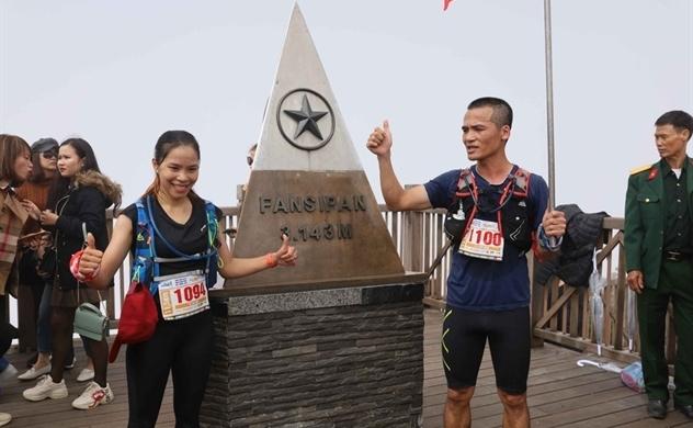 Những khoảnh khắc đầy xúc cảm của giải chạy vượt núi Fansipan 2020