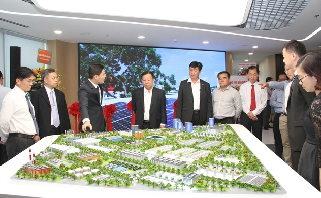 Sembcorp's smart energy joint venture opens headquarter in Binh Duong