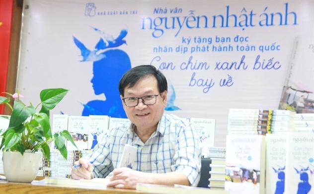 """Nguyễn Nhật Ánh tái xuất với biểu tượng """"Con chim xanh"""""""