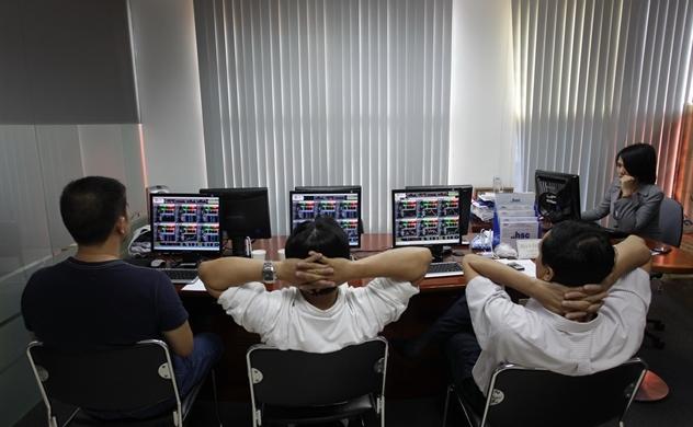 Thị trường chứng khoán đi ngược kỳ vọng?