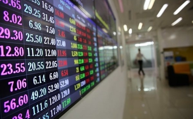 VN-Index crosses 1,000-point threshold after a year long