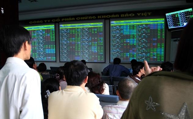 """Thị trường chứng khoán: Nhìn xa vẫn """"xanh"""""""