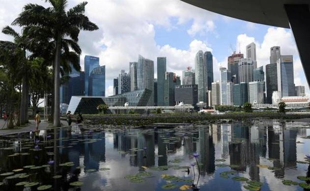 Các ngân hàng toàn cầu tăng cường tuyển dụng tại Singapore để giảm thiểu rủi ro ở Hồng Kông