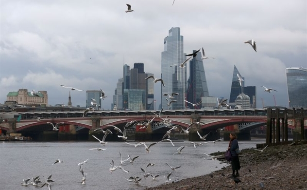 Thâm hụt ở Anh đạt 323 tỉ USD khi nền kinh tế đối mặt với suy thoái