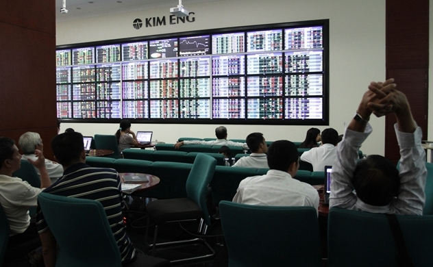 """Thị trường chứng khoán: Lời khuyên cho người cầm """"cổ"""" và cầm """"tiền"""""""