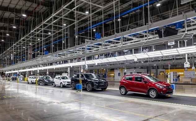 Ô tô sản xuất trong nước có gặp khó khi không được gia hạn giảm phí trước bạ?