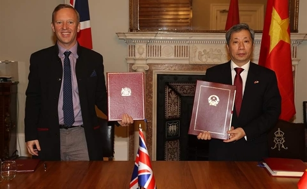 UK and Vietnam officially ink free trade pact