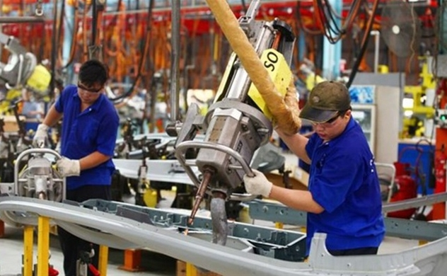 Manufacturing and processing sector creates 300,000 new jobs every year
