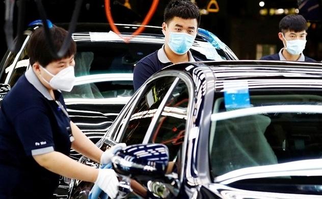 """Sự thiếu hụt chip toàn cầu """"tấn công"""" các nhà sản xuất ô tô"""