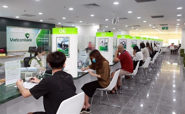 Vietcombank's 2020 after-tax profit slightly reduces to $802 mln