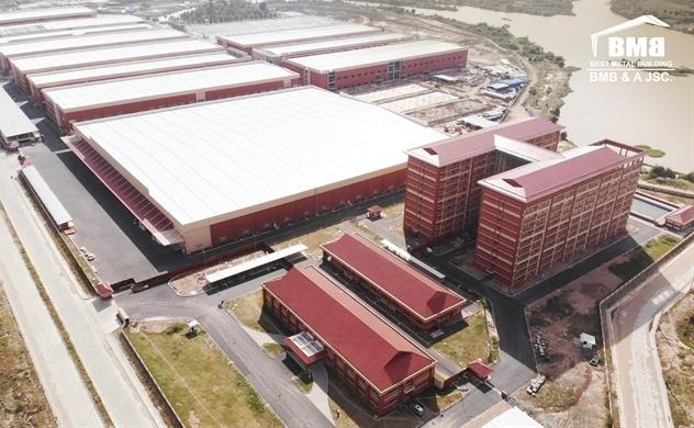 Doanh nghiệp sản xuất vật liệu xây dựng vượt khó