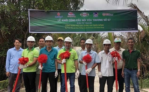 Nhựa Tiền Phong khởi công 13 cây Cầu Nối Yêu Thương cho bà con miền Tây trước Tết Tân Sửu 2021