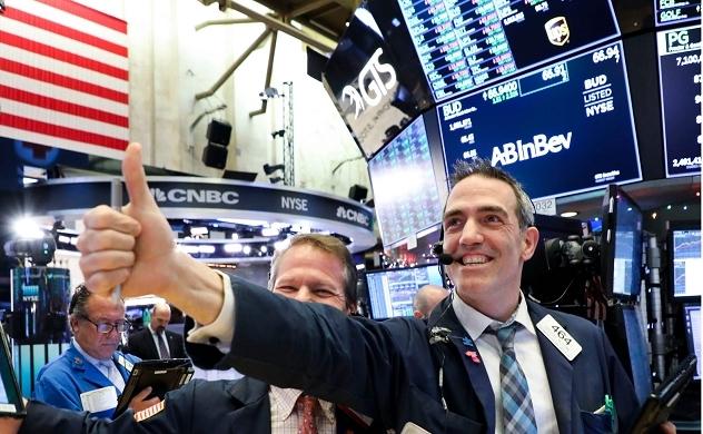 Dow Jones tăng vọt, đóng cửa ở mức kỷ lục