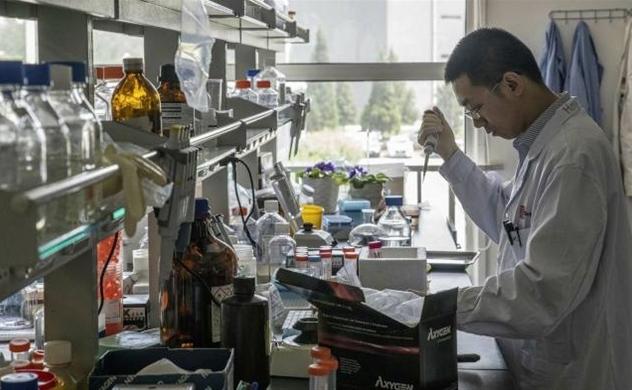 Các tập đoàn dược phẩm chi hàng tỉ USD để khai thác dịch vụ chăm sóc sức khỏe tại Trung Quốc