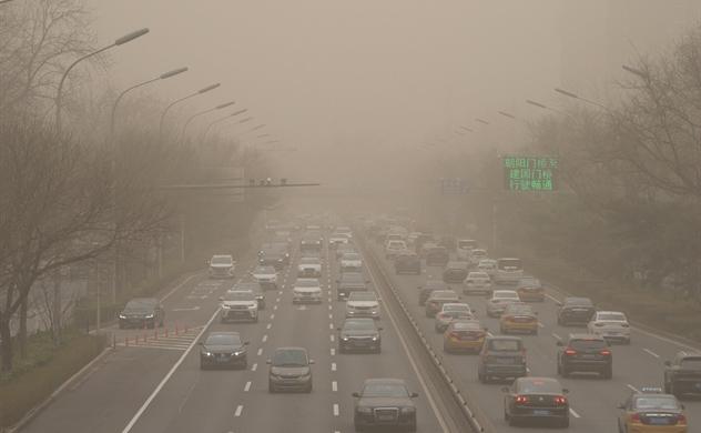 Bắc Kinh hứng chịu trận bão cát tồi tệ nhất trong một thập kỷ