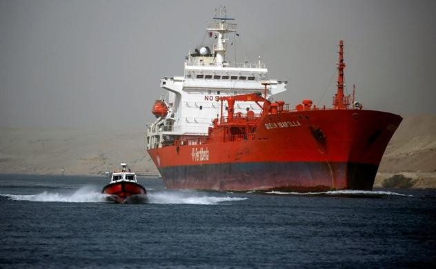 Vụ kẹt tàu ở kênh đào Suez làm tăng áp lực lên chuỗi cung ứng toàn cầu