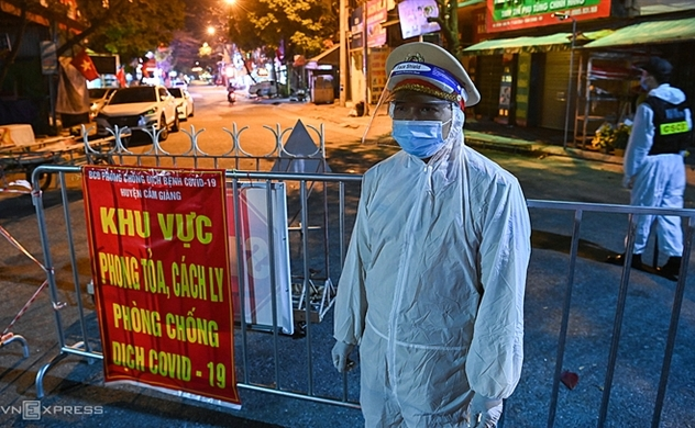 Vietnam's health minister warns over new wave of COVID-19 pandemic
